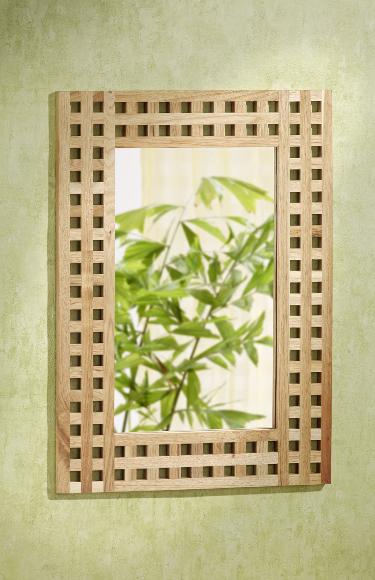 wandspiegel 50x70 gitterdesign walnuss holz spiegel. Black Bedroom Furniture Sets. Home Design Ideas