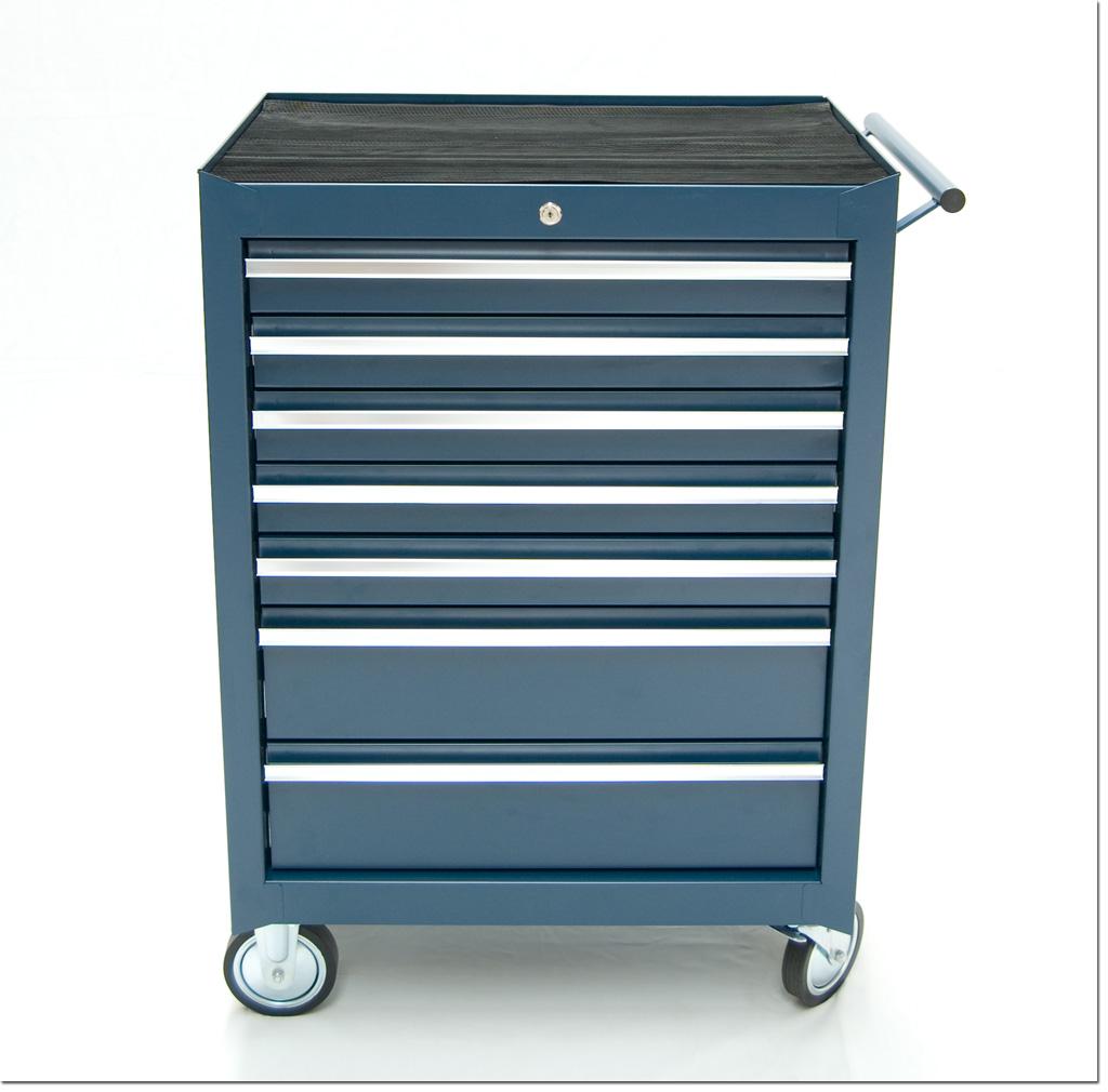 werkstattwagen werkzeugwagen gef llt mit werkzeug. Black Bedroom Furniture Sets. Home Design Ideas